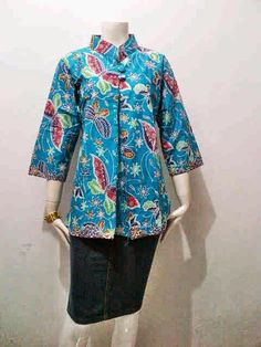 Model Blouse Batik Wanita