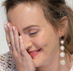 Leighton Meester on February 2017 Gossip Girl, Leighton Meester, Pearl Earrings, Drop Earrings, Blair Waldorf, Vera Wang, Missoni, Cool Girl, I Am Awesome