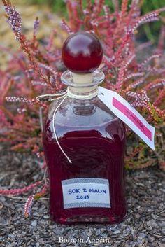 Sok z malin Perfume Bottles, Christmas Ornaments, Holiday Decor, Blog, Recipes, Alcohol, Christmas Jewelry, Recipies, Ripped Recipes