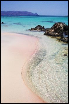 Take this of my bucketlist: Pink coral sand Elafonissi Crete-- we walked out to the little rock island and had breakfast at the local breakfast place overlooking the beach. Beautiful Islands, Beautiful Beaches, Santorini, Places To Travel, Places To See, Greek Island Holidays, Crete Island, Greece Holiday, Paradise On Earth