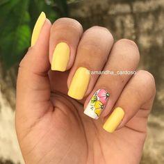 Esmalte @naticosmetica Co Yellow Nail Art, Floral Nail Art, Short Nail Designs, Nail Art Designs, Short Nails Art, Nail Accessories, Fancy Nails, Accent Nails, Nail Arts