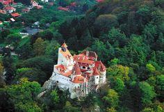 http://www.buscounviaje.com/ficha/castillos-de-transilvania-y-carpatos-puente-inmaculada-129401?utm_source=Pinterest&utm_medium=Social+Media&utm_campaign=pinterestdiario  Buenos días viajeros! ¿Qué tal el finde? Se acerca Halloween y os presentamos una experiencia de miedo, visitar los castillos de Transilvania y los Cárpatos.  ¿Te apuntas a este viaje a Rumanía para el puente de la Inmaculada?