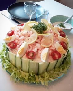 Pasta Salad, Cobb Salad, Fish Dishes, Potato Salad, Tapas, Seafood, Cabbage, Food And Drink, Lunch