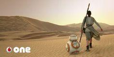 """El arrollador de l Star Wars radica en que es divertida y muy clara.   La Fuerza ha despertado y está en todas partes. Arrasa en cines y en toda clase de comercios sus protagonistas nos miran desde los escaparates. La fiebre de 'Star Wars' comenzó a extenderse a finales de los años 70 se recuperó dos décadas más tarde y ahora 'El Despertar de la Fuerza' la ha vuelto a reavivar ampliando aún más su alcance por la influencia de Disney. La """"starwarsmanía"""" es tan poderosa que continuará viva…"""
