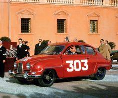 """Első (Carlsson """"Saab"""")nagy győzelmét az Ezer tó Ralin zsebelte be, két… Sport Cars, Race Cars, Peugeot, Saab 900, Koenigsegg, Rally Car, Monte Carlo, Volvo, Vintage Cars"""