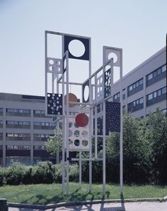 Ernst Mether-Borgström Futura, 1985 Stands in the courtyard of Espoo City Hall Finland Paper Folding, Public Art, Finland, Wind Chimes, Multi Story Building, Fair Grounds, Sculpture, Outdoor Decor, Mobiles
