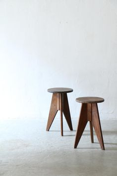stool | unplugged