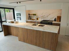 Kitchen Room Design, Luxury Kitchen Design, Kitchen Interior, Grand Kitchen, Kitchen Dining, Kitchen Cabinets, Small U Shaped Kitchens, Conservatory Kitchen, Residential Interior Design