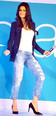 Katrina Kaif showing a few moves from Bang Bang at Pantaloons' Fashion Show.