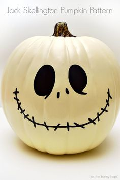 Fan of The Nightmare Before Christmas? Me, too! Get ready for Halloween with this Jack Skellington Pumpkin! Includes pattern and Silhouette Cut File!