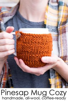 The perfect way to keep your coffee warm is with an all-wool mug cozy! It covers the bottom and sides of your mug, doubling as a coaster, and has a cute leaf-shaped button. A knitted mug cozy makes a great hostess or housewarming gift, too! Mug Cozy, Coffee Cozy, Hand Knitting, Knitting Patterns, Christmas Gifts For Her, Hostess Gifts, Basket Weaving, Knitting Projects, Knit Crochet