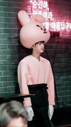 noticed I don't post a lot of Jin and hoseok. sorry I'll post Jimin, Jungkook Jeon, Bts Jin, Taehyung, Seokjin, Hoseok, Foto Bts, Btob, Worldwide Handsome