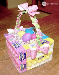 How To Make An Edible Easter Basket In 3 Easy Steps is part of Edible Easter crafts - This is a basket that tastes as good as it looks! Using just some paper, some tape, and a few boxes of Peeps, you can make your own edible Easter basket! Hoppy Easter, Easter Bunny, Easter Eggs, Easter Food, Easter Table, Easter Stuff, Holiday Fun, Holiday Crafts, Homemade Easter Baskets