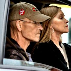 """Brave Patrick Swayze, will finally throw in the towel - out of love for his family. The much-admired actor has decided to sign a """"Do Not Hollywood Actor, Hollywood Actresses, Actors & Actresses, Mature Women Hairstyles, Taylor Swift Videos, Celebrities Then And Now, Celebrity Deaths, Patrick Swayze, Famous Couples"""