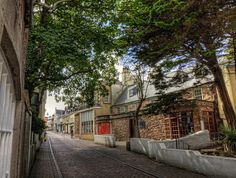 Victoria Street, Alderney przez neilalderney123, za pośrednictwem serwisu Flickr http://www.flickr.com/photos/neilsingapore/