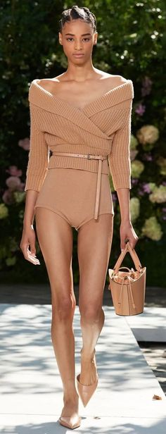 Fashion Show, Fashion Design, Fashion Tips, Michael Kors Collection, Chic Outfits, Peplum Dress, Ready To Wear, Couture, Sweaters