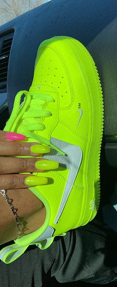 online retailer f3d95 6e31e neon green nails, pink nails, air force ones.