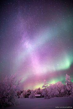 Aurora in Muonio, Lapland Beautiful Sky, Beautiful World, Beautiful Places, Beautiful Pictures, Aurora Borealis, Cosmos, Northen Lights, Wallpaper Animes, Lappland