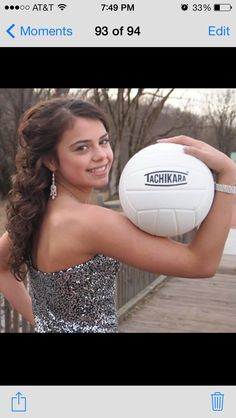 Best Sport Photography Softball Volleyball 34 Ideas Best Picture For Volleyball Pictures girl Volleyball Poses, Volleyball Senior Pictures, Girl Senior Pictures, Sports Pictures, Senior Pics, Volleyball Bedroom, Volleyball Photography, Sport Photography, Quince Pictures
