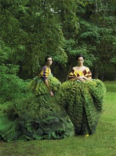 Caroline Trentini and Gemma Ward photographed by Steven Meisel, Vogue, December 2006 // John Galliano's topiary dresses for Christian Dior Couture Steven Meisel, Foto Fashion, Fashion Art, Editorial Fashion, Green Fashion, Vogue Editorial, Trendy Fashion, Fashion Shoot, High Fashion