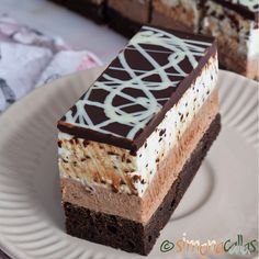 Snickers Cheesecake, Red Velvet Cheesecake, Chocolate Lovers, Chocolate Cake, Sweets Recipes, Cookie Recipes, Romanian Desserts, Biscuit Cookies, Mocca