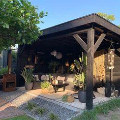 Garden Gazebo, Terrace Garden, Inexpensive Backyard Ideas, Tropical Garden Design, Outdoor Rooms, Outdoor Decor, Garden Design Plans, Corner Garden, Small Backyard Landscaping
