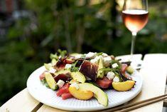 Sommersalat med vannmelon og fenalår Camembert Cheese, Salsa, Food, Gravy, Salsa Music, Meals, Yemek, Dip, Eten