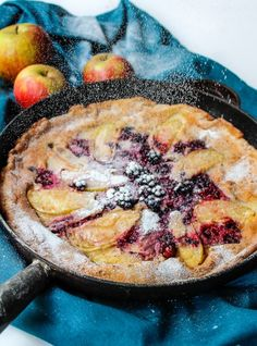 Blackberry & Apple Paleo Dutch Baby - a fast and easy puffed oven pancake made with fresh fruit for the perfect fuss free breakfast. Grain free & dairy free