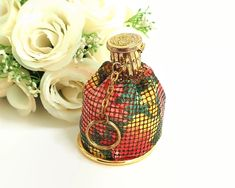 Vintage accordion topped mesh coin purse with key ring and mirrored base by CardCurios on Etsy Tree Patterns, Diamond Hoop Earrings, Abstract Pattern, Key Rings, Coins, Coin Purse, Perfume Bottles, Mesh, Handbags
