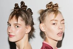 """By Shelby Christie Marc Jacobs models came down the runway sporting a hairstyle known as Bantu Knots at his SS15 fashion show. ManeAddicts.comfelt inspired by hairstylist Guido Palau's bantu knot recreation and posted a hair tutorial titled """"HOW-TO: TWISTED MINI BUNS INSPIRED BY MARC JACOBS SS15 SHOW."""" The hairstyle is clearly what is known as …"""
