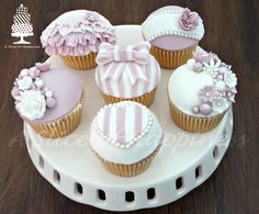 Pink & White Cupcakes  asliceofhappiness