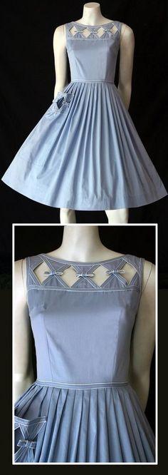 Delightful original vintage blue cotton dress by Kerrybrooke. 50s Dresses, Cotton Dresses, Pretty Dresses, Beautiful Dresses, Fashion Dresses, Cotton Frocks, Kurti Neck Designs, Dress Neck Designs, Blouse Designs