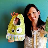 Totally Tutorials: Tutorial - How to Make a Monster Bib