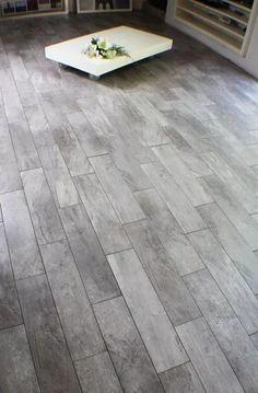 porcelanato madera 15x60 1ra . novedad!! Grey Hardwood Floors, Living Room Hardwood Floors, Wooden Flooring, Floor Design, Tile Design, Home Room Design, House Design, Tile Bedroom, Floor Colors
