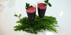 Ruby Red Champagne Juice: 2 cucumbers, 3 carrots, 1 beet*, 2 celery stalks, 1 large handful of parsley, 2″ piece ginger, 1 lemon