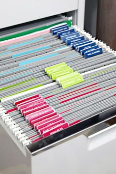 Genius Paper Clutter Organization Hacks to Get Rid of Paper Clutter, Filing Cabinet Organization Organisation Hacks, Filing Cabinet Organization, Organizing Paperwork, Clutter Organization, Home Office Organization, Filing Cabinets, Office Decor, Organizing Life, Filing Cabinet Folders
