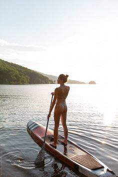 Young dreaming woman on paddle board by Milles Studio - Woman, Serenity - Stocksy United Lake Pictures, Vacation Pictures, Sup Board, Paddle Board Yoga, Sup Stand Up Paddle, Sup Yoga, Beach Poses, Shooting Photo, Foto Pose