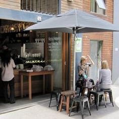 This trendy espresso bar and café fits in perfectly with the fast paced Potts Point crowd. It takes the art of the local friendly coffee shop back to basics with genuinely good service, great coffee and tasty light snacks perfect for a quick pit stop at any time of the day.