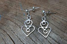 Love Knot eco silver modfolk heart earrings, stud dangle earrings inspired by Moravian folk embroidery patterns Folk Embroidery, Embroidery Patterns, Heart Earrings, Dangle Earrings, Antique Quilts, Dangles, Jewelry Making, Beaded Bracelets, Unique Jewelry