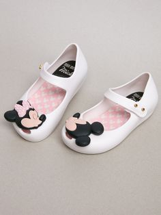 The style & quality you expect from Mini Melissa in a Minnie & Mickey shoe.