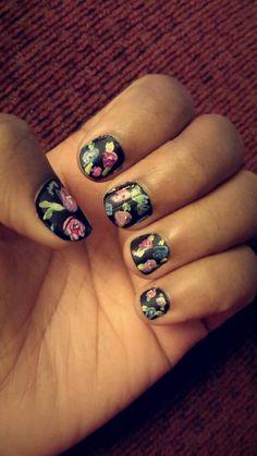 Matte floral print nails