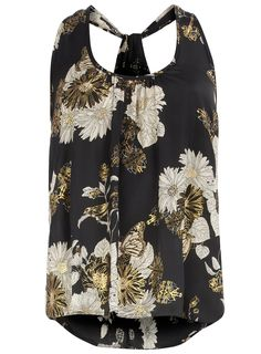 Love this, perfect with jeans and a blazer and high 6 inch heels! Yes please
