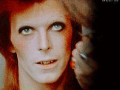 David Bowie, Backstage glamming up ⚡️ Ziggy Stardust, David Bowie Born, Moonage Daydream, The Thin White Duke, Glam Rock, Jimi Hendrix, Playing Guitar, Michael Jackson, Music Artists