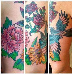 Uitbreiding van mijn rozen tattoo - ekster - zonnebloem - pioenroos