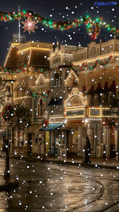 Find and discover latest Christmas snowfall GIFs. This is one of the most beautiful animated Christmas snowfall night GIF one of my favorites. Christmas Night, Christmas Scenes, Noel Christmas, Vintage Christmas, Disney Christmas, Merry Christmas Images, Christmas Ideas, Gif Noel, Beautiful Christmas