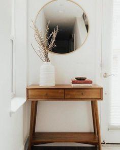 Vintage Home Decor For More Traditional Interior Design – BusyAtHome Retro Home Decor, Home Decor Styles, Cheap Home Decor, Diy Home Decor, Design Living Room, Living Room Decor, Diy Ikea Hacks, Decoration Inspiration, Decor Ideas
