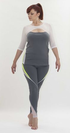 Bent Prism Jog Top und Leggings im Cult of California (Mode-Fitnessstudio tragen! Plus Size Yoga, Plus Size Workout, Jogging, Dress Yoga Pants, Workout Wear, Workout Outfits, Full Figured Women, Gym Wear, Plus Size Fashion