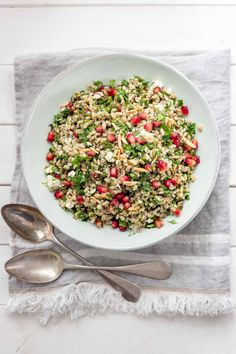 This herbed barley salad is bursting with fresh ingredients including dill, parsley mint, and sweet-tart pomegranate and is tossed in a zingy lemon dressing. Toasted almonds add crunch and crumbled feta adds a flavour impact with its salty, tangy, briny flavour. Together, so tasty! Couscous Salad, Quinoa Salad, Pearl Barley Salad, Grain Salad, Toasted Almonds, English Food, Tomato Salad, Kinds Of Salad, Sweet Tarts