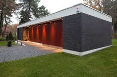 Find home projects from professionals for ideas & inspiration. Bungalow by Justus Mayser Architekt Bungalows, Outdoor Furniture, Outdoor Decor, Home Projects, Home And Living, Garage Doors, Modern, Shed, Outdoor Structures