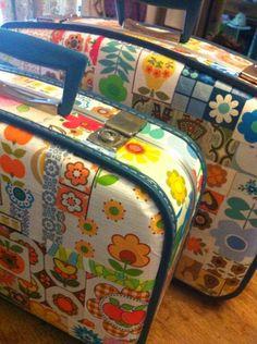 Pomme de Jour Blog: Ways With Wallpaper